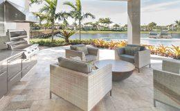 Outdoor-patio-kitchen-luxury-exterior-000023868786_Large-(1)
